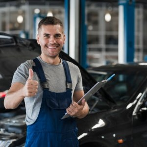 Equipo adecuado para un taller de reparación de automóviles
